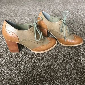 Restricted Heeled Brown Oxfords- Size 5 1/2